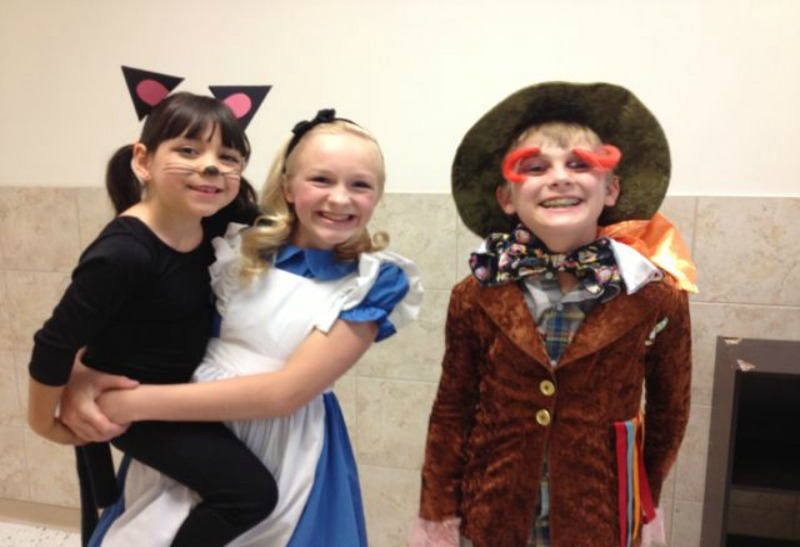 Alice in Wonderland: Directed By Young Teens - Alice In Wonderland kids blog - Alice in Wonderland: Directed By Young Teens